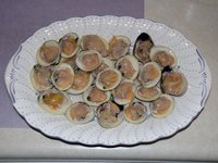 Raw clams (the first course)