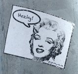 Marilyn says Hezky!