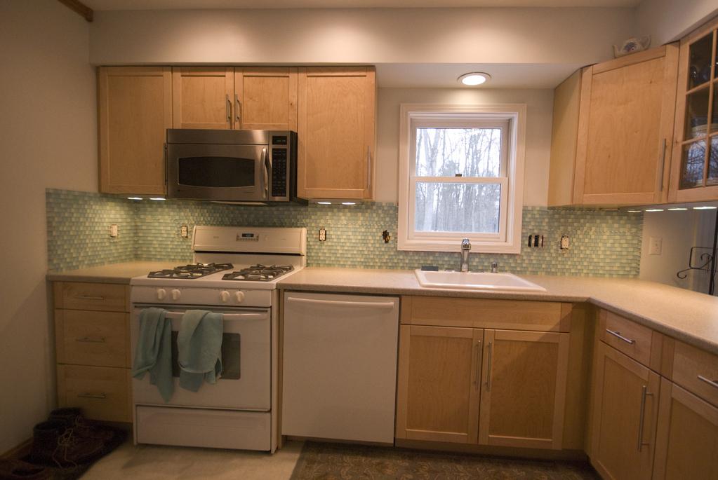 Kitchen tile: after