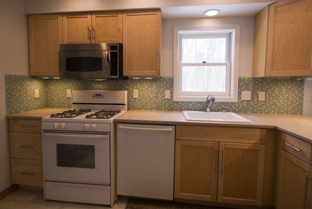 Kitchen tile (grouted)
