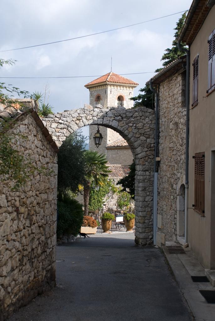 Cabris arch