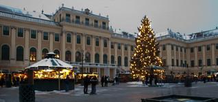 Schönbrunn Palace Christmas Market