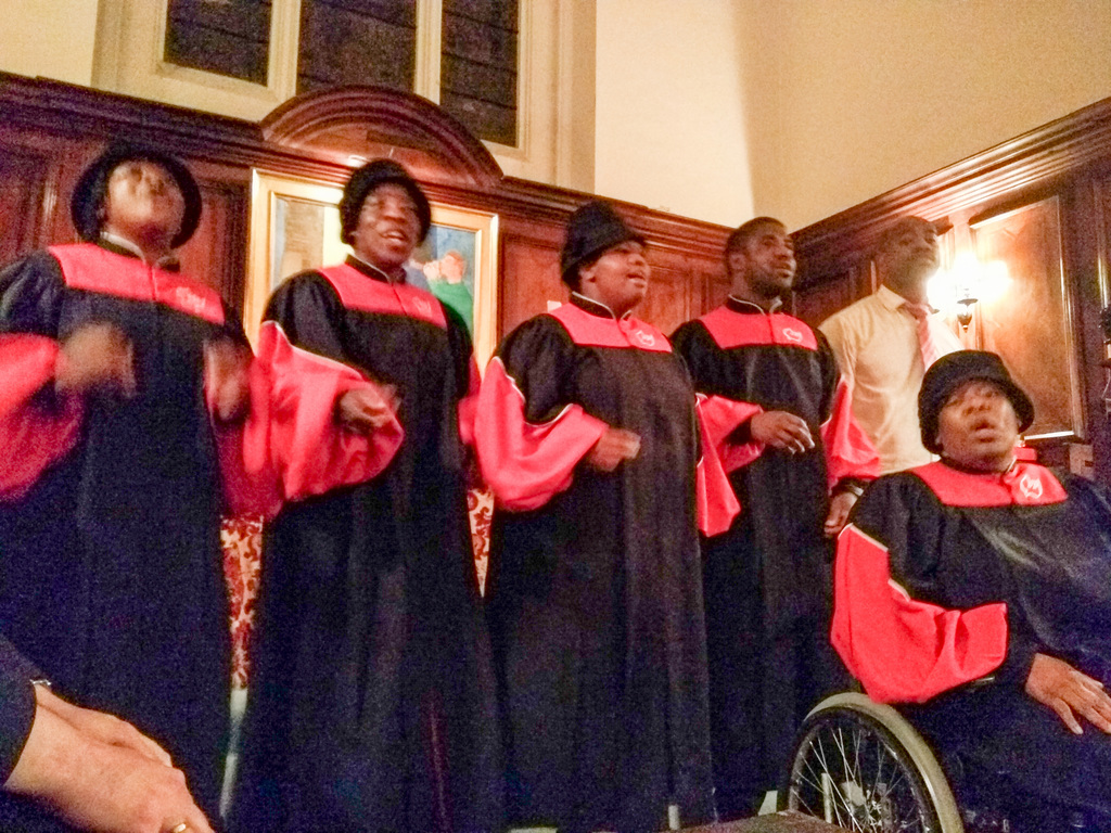 The stunning choir!