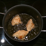 Samosas in the pot